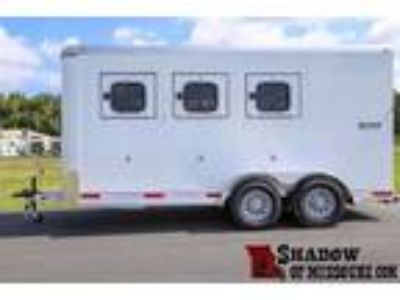 2018 Shadow 3H BP front tack lined & insulated 3 horses