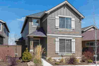 2865 SW Yew Park Lane Redmond Three BR, Huge Price Reduction!