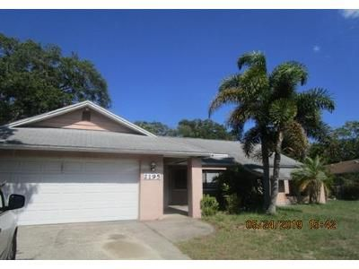 2 Bed 2 Bath Foreclosure Property in Clearwater, FL 33763 - Cypress Point Dr E