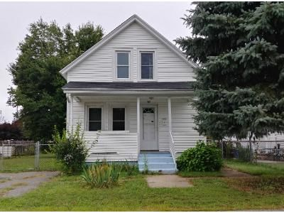 3 Bed 1 Bath Preforeclosure Property in Ludlow, MA 01056 - Cedar St