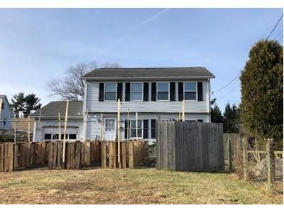 3 Bed 2.5 Bath Foreclosure Property in New London, CT 06320 - Colman St