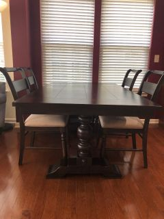 Farmhouse Style Dining Table w/ 4 Chairs