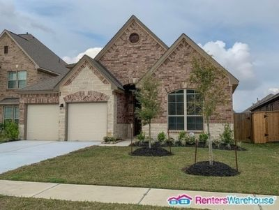 Magnificent 4bed/4bath in Fall Creek for Lease!