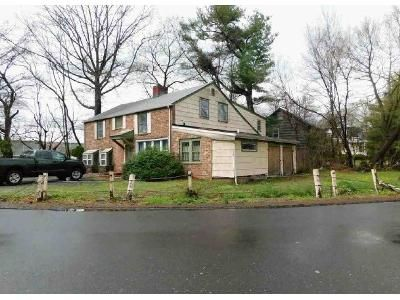 3 Bed 2.5 Bath Foreclosure Property in Darien, CT 06820 - Old Kings Hwy N