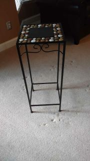 Plant stand or side table