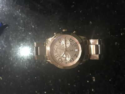 Women s rose gold watch