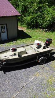 16' Crestliner flat bottom boat