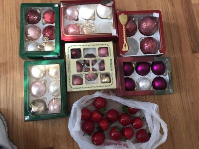 1 whole lot of Christmas balls 6 boxes (35 balls)and 13 apples all one price $10 priced to sell!