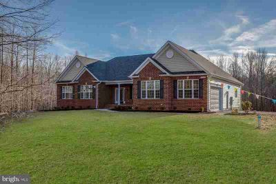 5583 Fish Hawk CT Waldorf, This is a beautiful Four BR