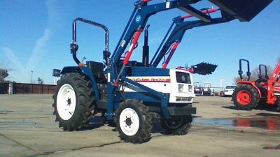 Mitsubishi 30hp 4x4 tractor with loader