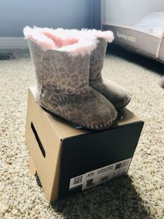 Baby Uggs! Pink with cheetah print size 4/5