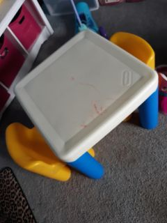 Little Tikes table and 2 chairs