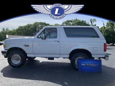1992 Ford Bronco XLT (Oxford White)