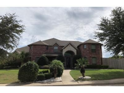 4 Bed 3.5 Bath Preforeclosure Property in Desoto, TX 75115 - Montauk Way