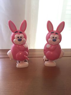Wind-up Bunnies that poop jelly beans!