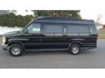 2008 Ford E350 Van 9 Passenger Captain Seats