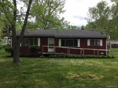 3 Bed 1 Bath Foreclosure Property in Waterford, MI 48328 - Fiddle Ave