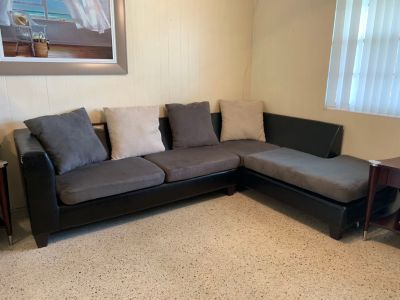 Microfiber Sectional Couch With Four Pillows