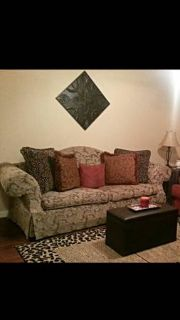 GREAT COUCH IN PERFECT CONDITION MUST SELL ASAP IN DAYS