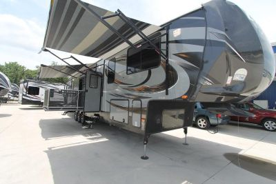 2015 CYCLONE 4200 TOY HAULER - TWIN PATIOS