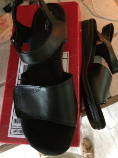 Ladies Sandals (Brand New)