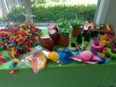 Luau party supplies for a great party !