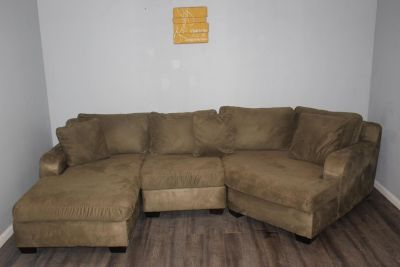 3 Pc Sectional Sofa - Max Home