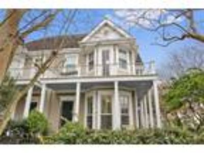 $898000 Three BR 4.00 BA, New Orleans
