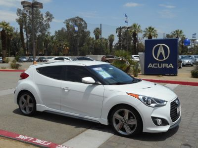 2015 Hyundai Integra Base (Century White)