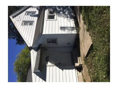 4 Bed 1 Bath Foreclosure Property in Quincy, IL 62301 - N 10th St