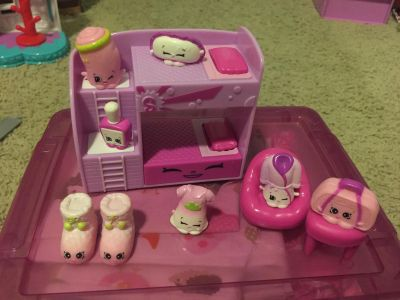 Shopkins bed play set