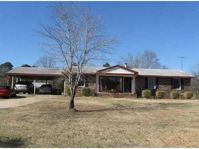 4 Bed 2 Bath Foreclosure Property in Griffin, GA 30223 - Vaughn Rd # A