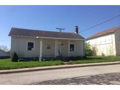 2 Bed 1 Bath Preforeclosure Property in Lewisburg, OH 45338 - E South St
