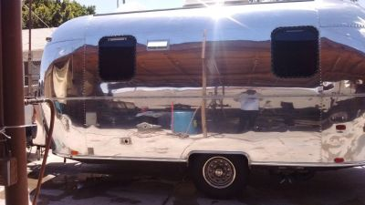 Airstream metal polishing