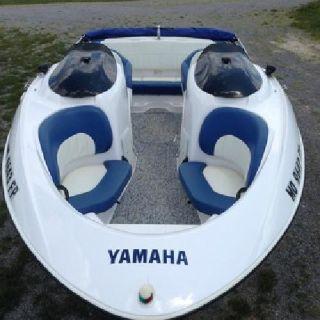 2004 Yamaha LX210 21 Jet Boat 270 HP