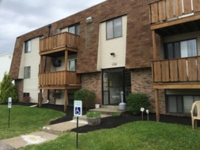 1 Bedroom, 1 Bathroom at Foxhill and Yorktown Lane