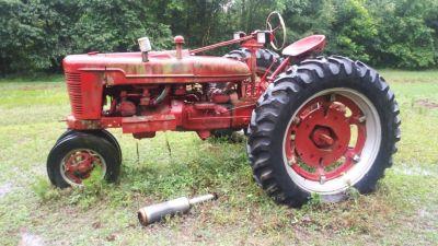 2 Inernational tractors