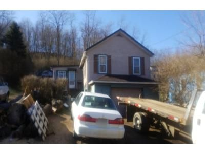 2 Bed 1 Bath Preforeclosure Property in Gibsonia, PA 15044 - Mueller St