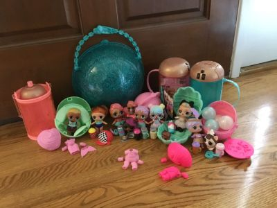 HUGE LOT of LOL DOLLS w/ Accessories and Capsules SEE ALL PICS!!! So cute and great for the collector!