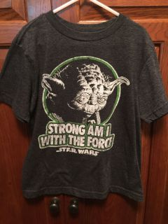 Old Navy Collectible Star Wars Tee- Small 7
