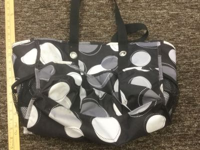 Thirty One organizer tote, with lots of pockets and slots, some spots but still cute. Scroll right for more photos. $2.00