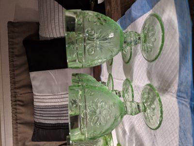 6 antique glasses perfect condition