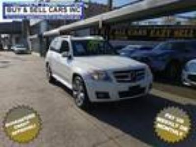 $13500.00 2010 Mercedes-Benz GLK with 93270 miles!