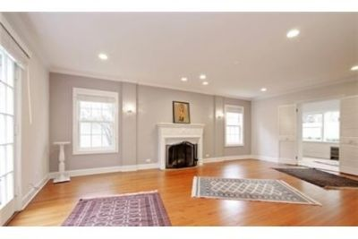 4 Spacious BR in Winnetka. Parking Available!