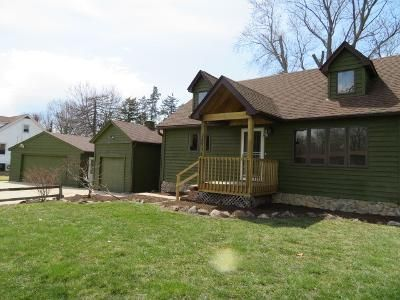 3 Bed 2 Bath Foreclosure Property in Zion, IL 60099 - N Spitz Dr