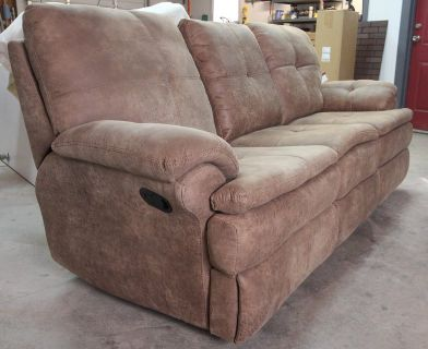 Double recliner loveseat with console