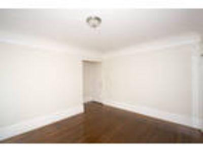 1163 PINE Apartments - 1 Studio One BA Apartment
