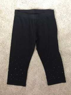 So Capri black pants with black jewels 7/8