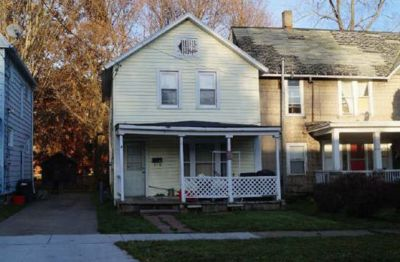 Single Family Home: $9,900 Fixer Upper – Endless Possibilities!