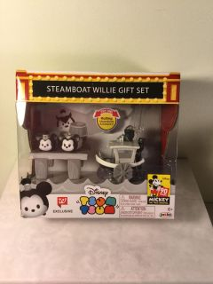Disney Tsum Tsum Steamboat Willy gift set, absolutely adorable. Retail $12.99